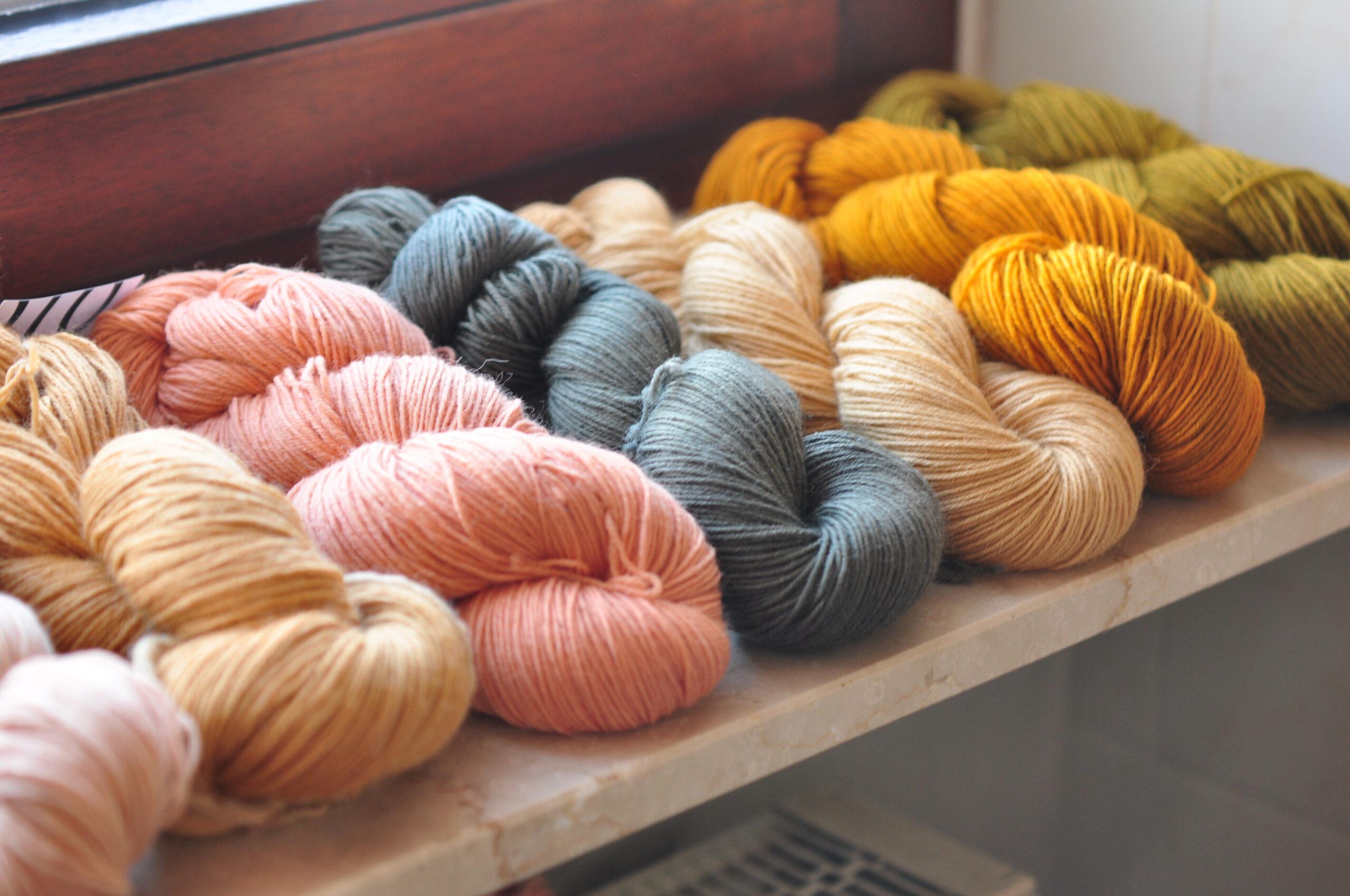 pilzgefärbte wolle, naturfarben, wolle färben mit pilzen, mushroomdye